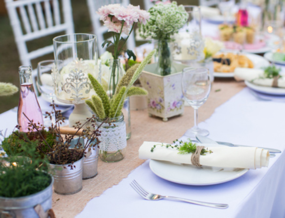 The 5 Key Elements to a Wildly Successful Housewarming Party