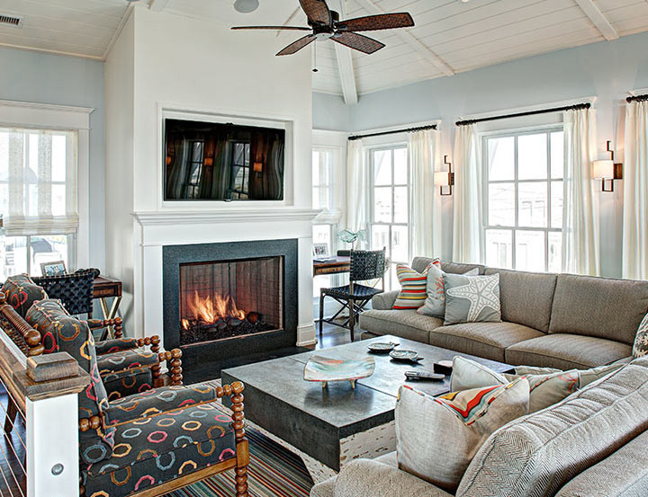 7 ideas for decorating under the stairs - Great coastal living room decorating ideas ...